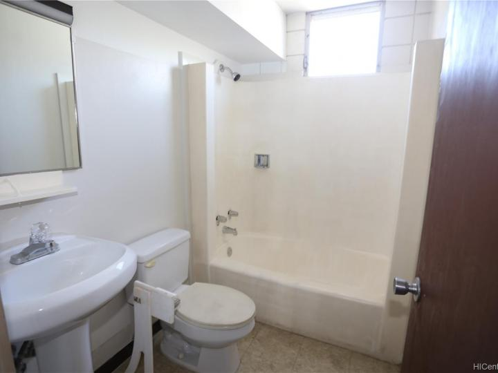 Rental 1506 Kaumualii St unit #D211, Honolulu, HI, 96817. Photo 7 of 13