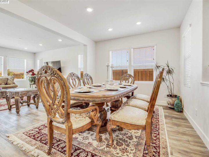 1681 Ivy Ln Tracy CA Home. Photo 5 of 29