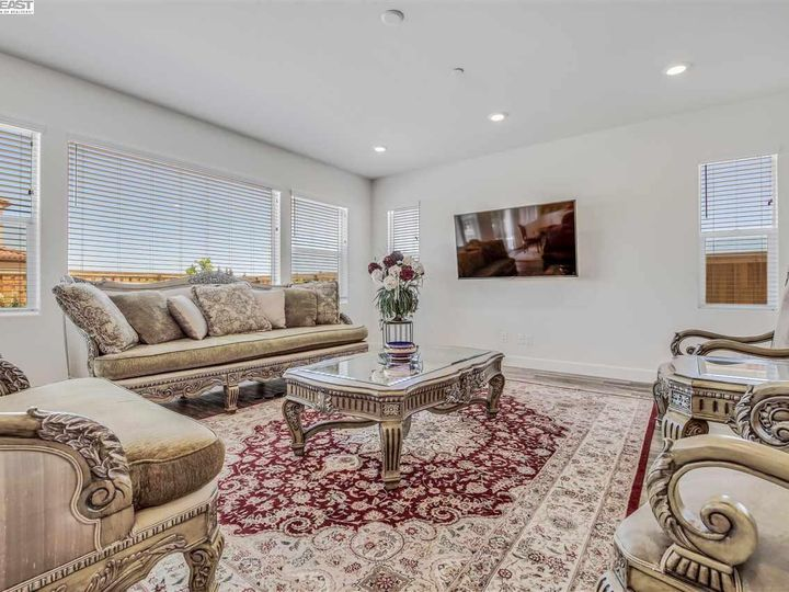 1681 Ivy Ln Tracy CA Home. Photo 7 of 29
