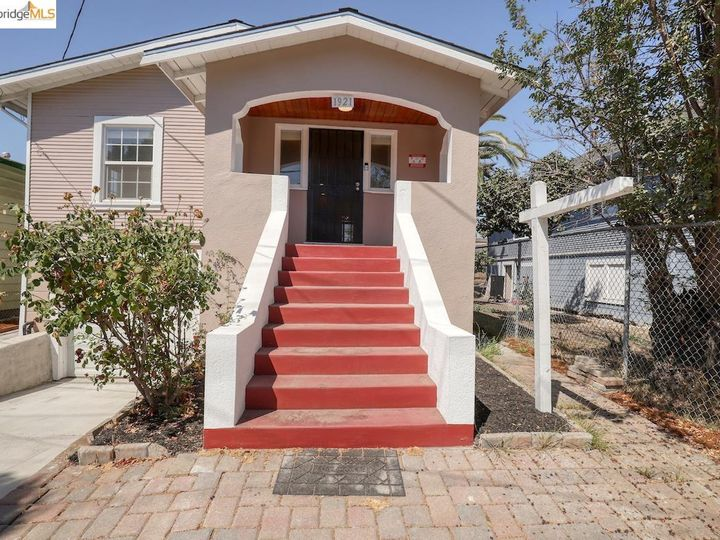 1921 96th Ave Oakland CA Home. Photo 2 of 40