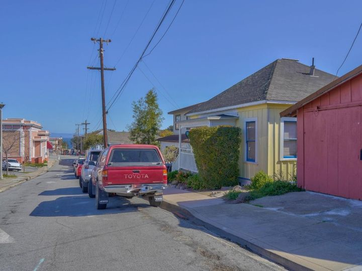 15th St Pacific Grove CA. Photo 3 of 7