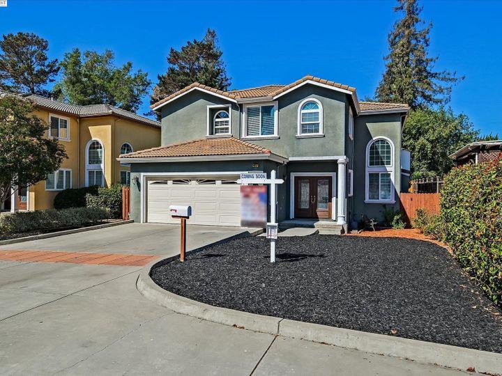 24257 Ridgecreek Ln Hayward CA Home. Photo 2 of 40