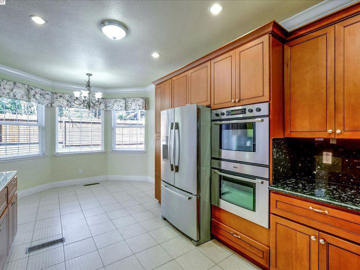 24257 Ridgecreek Ln Hayward CA Home. Photo 11 of 40