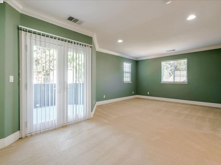 24257 Ridgecreek Ln Hayward CA Home. Photo 18 of 40