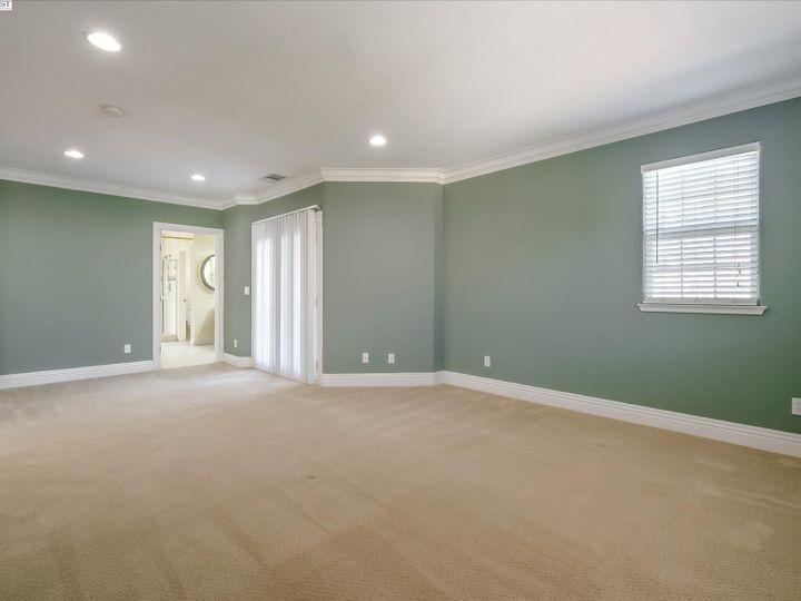 24257 Ridgecreek Ln Hayward CA Home. Photo 19 of 40