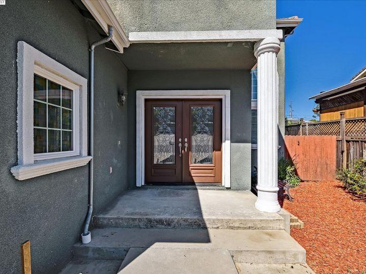 24257 Ridgecreek Ln Hayward CA Home. Photo 3 of 40