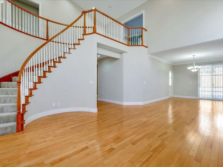 24257 Ridgecreek Ln Hayward CA Home. Photo 7 of 40