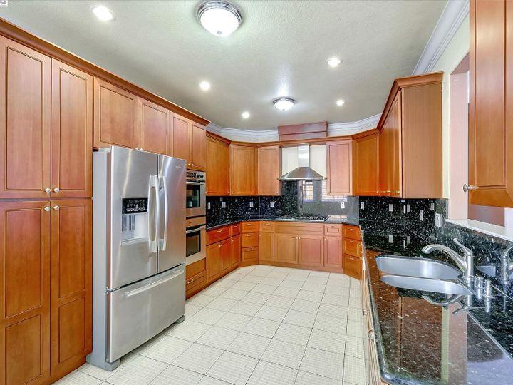 24257 Ridgecreek Ln Hayward CA Home. Photo 9 of 40