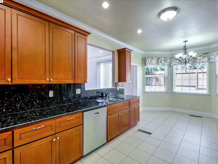 24257 Ridgecreek Ln Hayward CA Home. Photo 10 of 40