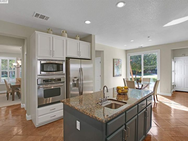 2845 Savoy Ct Brentwood CA Home. Photo 11 of 33