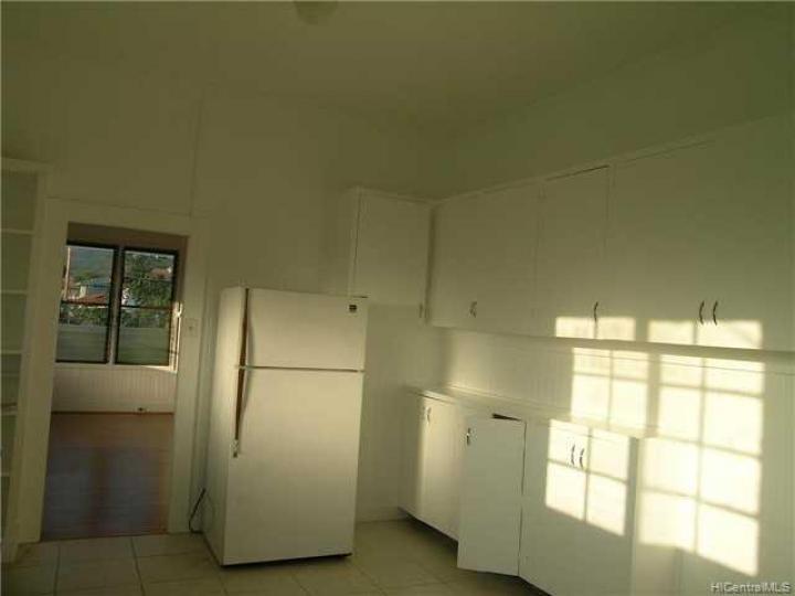 Rental 3273 Kaimuki Ave, Honolulu, HI, 96816. Photo 3 of 5