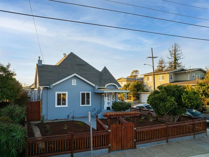 3275 Maple Ave Oakland CA Home. Photo 1 of 37