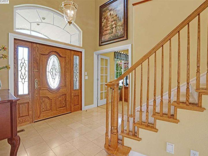 335 Brianne Ct Pleasanton CA Home. Photo 11 of 40