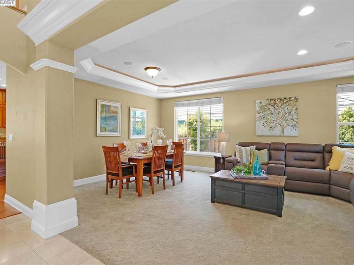 335 Brianne Ct Pleasanton CA Home. Photo 12 of 40
