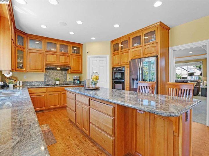 335 Brianne Ct Pleasanton CA Home. Photo 17 of 40
