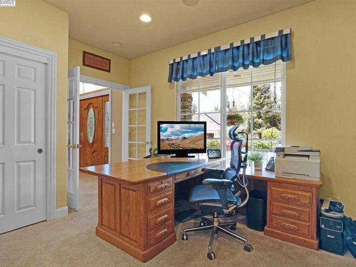 335 Brianne Ct Pleasanton CA Home. Photo 28 of 40