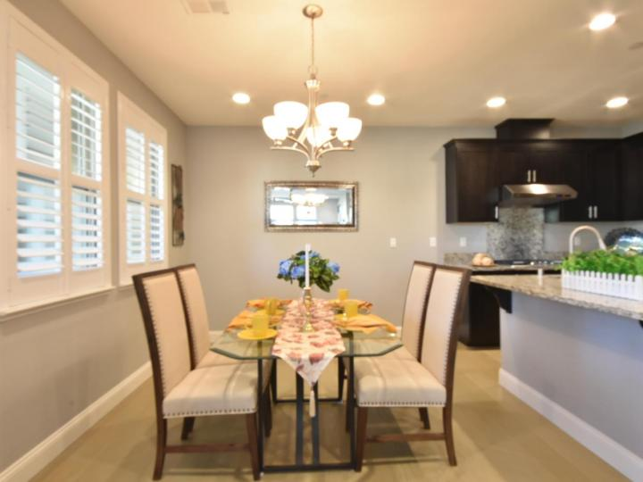 362 Expedition Ln, Milpitas, CA, 95035 Townhouse. Photo 11 of 40