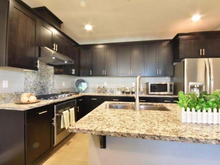 362 Expedition Ln, Milpitas, CA, 95035 Townhouse. Photo 13 of 40