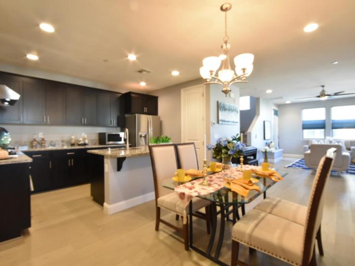 362 Expedition Ln, Milpitas, CA, 95035 Townhouse. Photo 15 of 40
