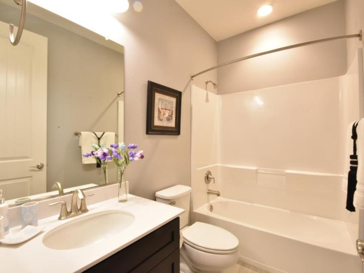 362 Expedition Ln, Milpitas, CA, 95035 Townhouse. Photo 34 of 40