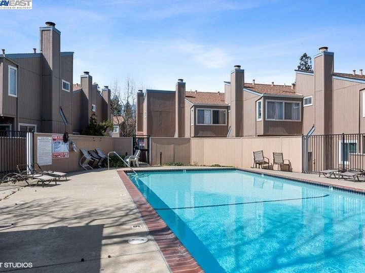 3901 Clayton Rd #49, Concord, CA, 94521 Townhouse. Photo 13 of 15