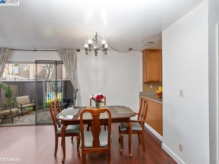 3901 Clayton Rd #49, Concord, CA, 94521 Townhouse. Photo 6 of 15