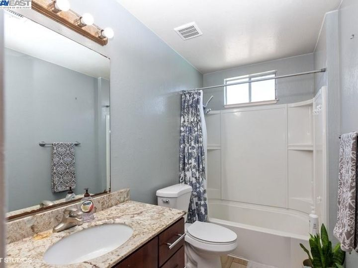 3901 Clayton Rd #49, Concord, CA, 94521 Townhouse. Photo 9 of 15