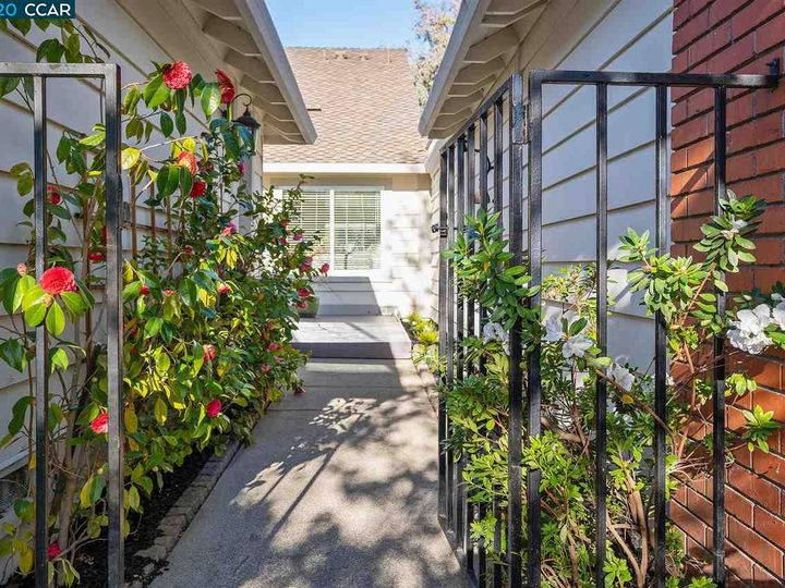 536 Silver Lake Dr, Danville, CA, 94526 Townhouse. Photo 1 of 32