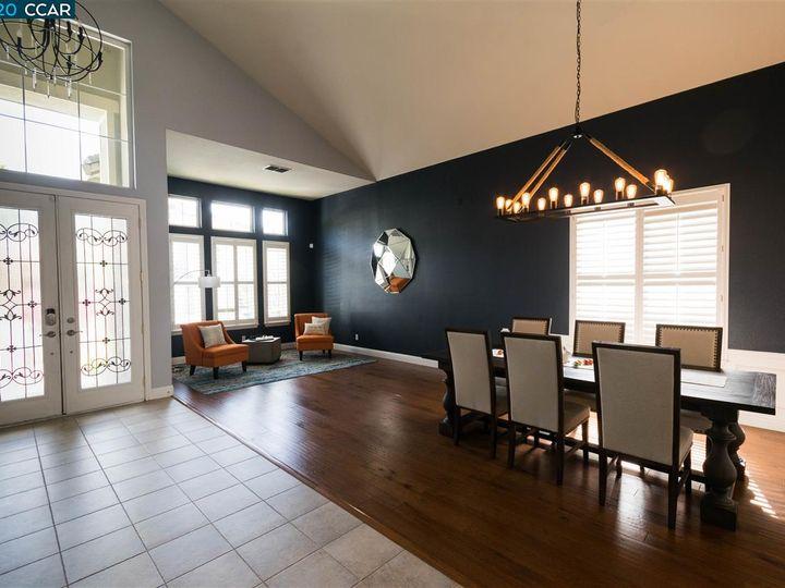 5437 Hiddenwood Ct Concord CA Home. Photo 5 of 39