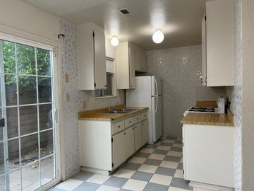 1226 San Antonio Dr, King City, CA