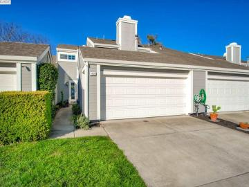 1426 Peachtree Cmn, Heather Glen, CA