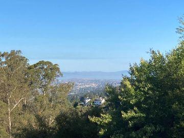 1436 Campus Dr, Berkeley, CA