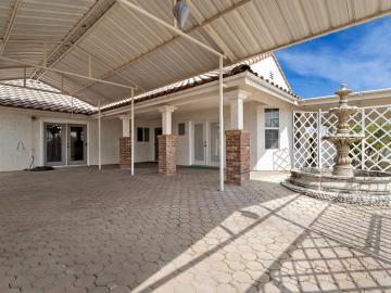 16026 Paula Rd, Bonadelle Ranchos-madera Ranchos, CA