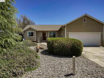 16972 Greenridge Rd, Hidden Valley Lake, CA