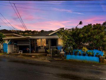 1835 Houghtailing St, Kamehameha Heights, HI