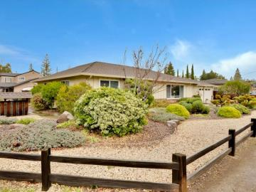 215 Hawthorne Ave Los Altos CA Home. Photo 2 of 39