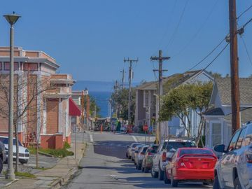 15th St Pacific Grove CA. Photo 4 of 7