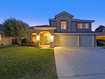 2240 Glenview Dr, Hollister, CA