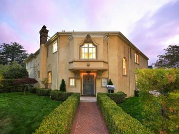 2700 Claremont Blvd, Claremont Court, CA