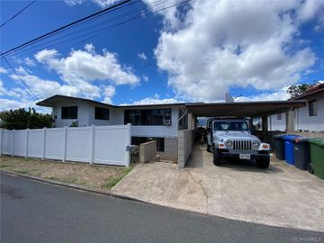 Rental 3350 Wauke St, Honolulu, HI, 96815. Photo 1 of 23