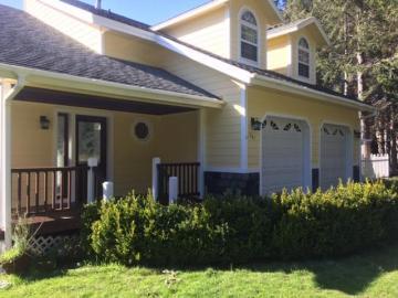 341 Seafoam Rd, Shelter Cove, CA