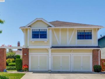 35629 Beeching Ln, Brookvale, CA