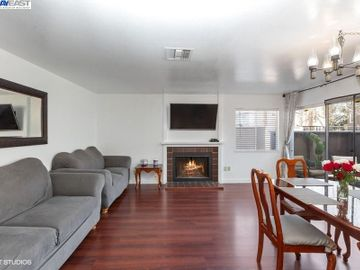 3901 Clayton Rd #49, Concord, CA, 94521 Townhouse. Photo 3 of 15