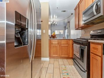 3901 Clayton Rd #49, Concord, CA, 94521 Townhouse. Photo 5 of 15