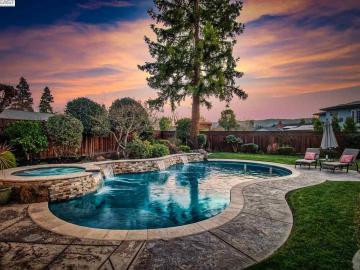 5082 Crestwood Ct, Pleasanton Vally, CA