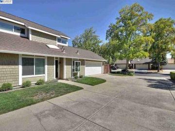 5886 Northway Rd, Northway Downs, CA