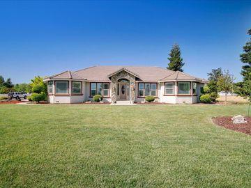 5890 Yuste Ln, Hollister, CA