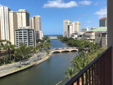 620 Mccully St unit #1007, Mccully, HI