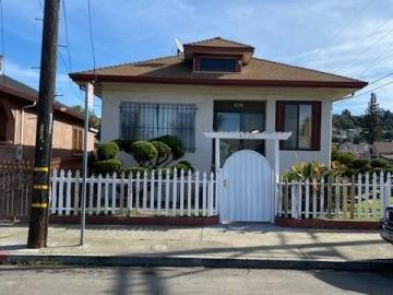 8730 Dowling St Oakland CA Home. Photo 2 of 7