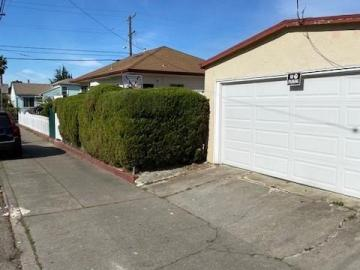 8730 Dowling St Oakland CA Home. Photo 5 of 7